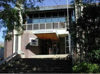 The JLB Smith Institute of Ichthyology in 1999