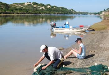 Fish sampling in Sundays Estuary